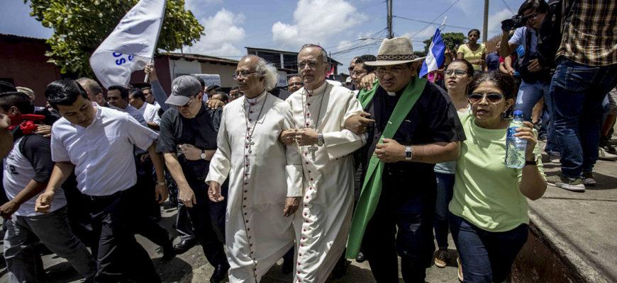 Adiós a la ideología: de la teocracia al anticlericalismo