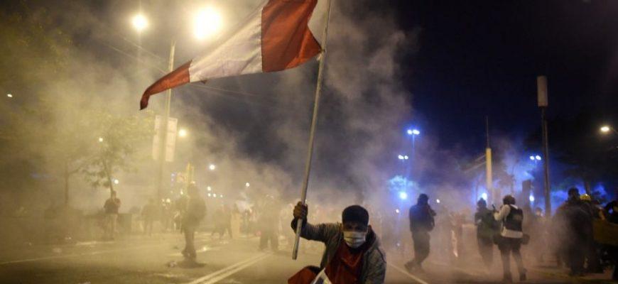 La crisis en el Perú: causas políticas y la necesaria reforma policial